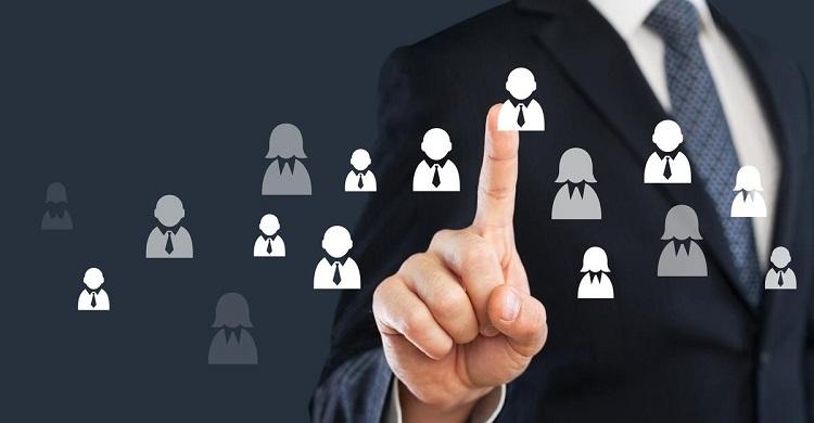 Khi mới thành lập, doanh nghiệp thường gặp hạn chế về vấn đề nhân sự